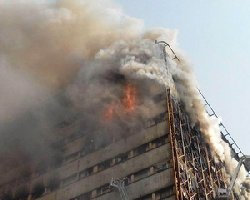 لحظه فرو ریختن ساختمان پلاسکو؛ کشته+فیلم