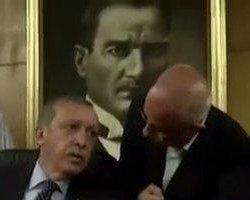 حمله اسلامگرایان ترکیه به مجسمه های آتاترک