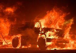کالیفرنیا؛ فرار مردم از آتشسوزی+فیلم