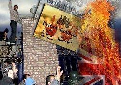"""گروهی ناشناس"": تجمع در مقابل سفارت انگلیس"