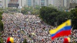 بحران ونزوئلا؛ فیلم: جنگ خیابانی و 14 کشته