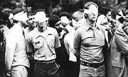 حمله رهبر به گروگانگیرانی که عذرخواهی کردند