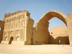 برجسته ترین یادگار دوران ساسانی را نجات دهید!