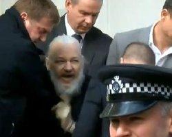 """بازداشت بنیانگذار سایت """"ویکیلیکس"""" در لندن+فیلم"""