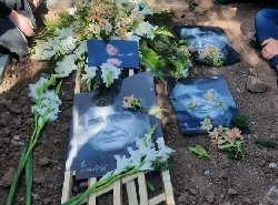 خاکسپاری استاد شجریان در میان بغض و اشک مردم+فیلم