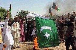 افغانستان؛ تشکیل دولت طالبان با آتش زدن پرچم پاکستان